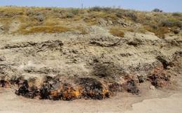 Chuyện có thật về ngọn lửa vĩnh cửu, cháy suốt 4.000 năm bất kể mưa tuyết và nơi được mệnh danh là 'vùng đất lửa thiêng'