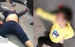 Đứa trẻ 9 tuổi bị gã tâm thần tấn công suốt 30 phút đến mất mạng mà không ai ngăn cản chỉ vì nghĩ người cha đang dạy dỗ con