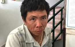 Cảnh sát đạp ngã xe tên cướp, lấy lại túi xách cho du khách nước ngoài