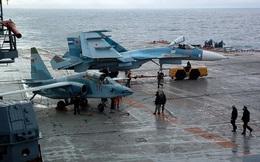 Phi công hải quân Nga buộc phải luyện tập trên... tàu sân bay hỏng?