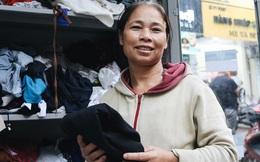 """Những tủ quần áo """"thừa cho đi, thiếu nhận lại"""" sưởi ấm người lao động nghèo Hà Nội trong mùa đông giá rét"""