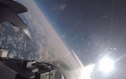 Đẹp ngỡ ngàng F-16 sải cánh trên bầu trời trong cuộc tập trận ở Hawaii