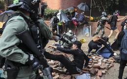 """Cảnh sát Hồng Kông """"mở đường lui"""" cho những người cố thủ cuối cùng"""