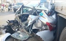 Xe tải tông bẹp nát taxi, tài xế và hành khách thoát chết khó tin