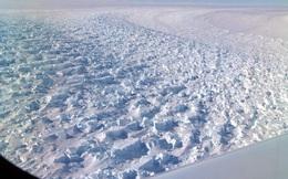 Thật không thể tin nổi, hoang mạc băng Nam Cực nhìn từ trên cao hùng vĩ như thế này đây!
