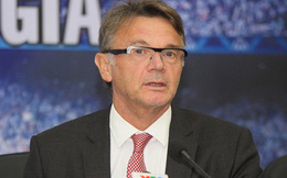 HLV Troussier muốn tiếp tục được cống hiến cho bóng đá Việt Nam