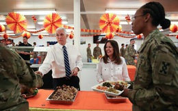 Phó Tổng thống Mỹ bất ngờ tới Iraq gặp binh sỹ đồn trú