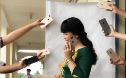 """Đu hot trend tone-sur-tone, cô giáo chụp ảnh với loạt iPhone sang chảnh khiến dân mạng được dịp """"sáng mắt"""""""