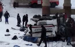 Xe buýt lao xuống sông băng 19 người chết: Nhân chứng kể lại khoảnh khắc 'chết đi, sống lại'
