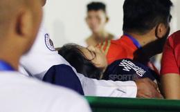 Nữ tình nguyện viên SEA Games 2019 ngã bất tỉnh nhân sự, phải đi cấp cứu gấp vì mải nghe điện thoại