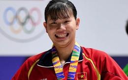 Ánh Viên tươi cười rạng rỡ, hạnh phúc vô cùng khi giành huy chương Vàng đầu tiên tại SEA Games 30.