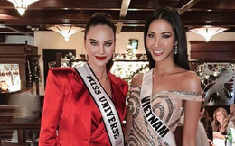 Rần rần khoảnh khắc Hoàng Thùy và Miss Universe 2018 chung khung hình: Thần thái tự tin, sắc vóc không hề thua kém