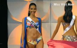 """Hoàng Thùy """"từ tốn"""" diễn bikini giữa dàn mỹ nhân té sấp mặt trong đêm bán kết Miss Universe 2019"""