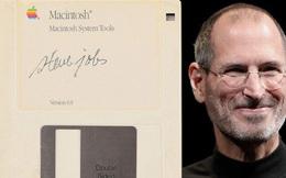 Đĩa mềm cũ kĩ của huyền thoại Steve Jobs được bán với giá 2 tỷ đồng, tương đương 80 chiếc iPhone 11