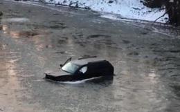 Trợ lý ảo Siri gọi 911 cứu chủ nhân khỏi chết chìm dưới sông băng