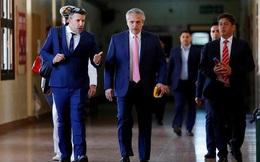 Tổng thống Argentina gây sốt khi đi coi thi đại học
