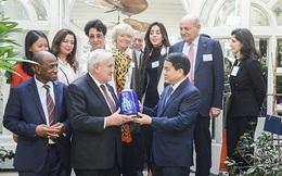 Nguyên Thủ tướng Pháp Jean Pierre Raffarin ấn tượng với vẻ đẹp của Hà Nội
