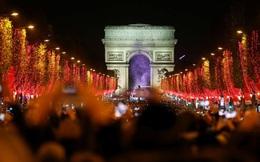 Thế giới trang hoàng lộng lẫy đón Giáng sinh và năm mới 2020