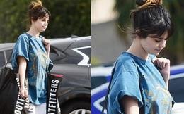 Selena Gomez gây sốt khi để mặt mộc 100% ra đường, trẻ hơn cả chục tuổi khi không make up?