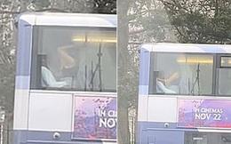 Anh: Phẫn nộ cặp đôi tranh thủ ân ái trên xe buýt hai tầng