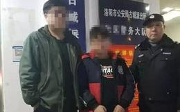 Thấy cậu bé 12 tuổi lang thang ngoài đường, cảnh sát vội đưa về nhà nhưng người mẹ quyết không nhận lại con, lý do khiến ai cũng bất bình