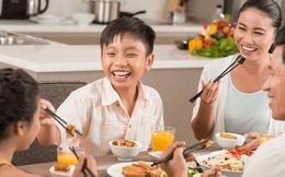 30 điều người xưa giáo dục con trẻ trên bàn ăn: Thoạt nghe thì thật hà khắc nhưng cha mẹ hiện đại nhất định phải tham khảo