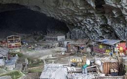 Ngôi làng đặc biệt của Trung Quốc: Khép kín hoàn toàn trong một hang động khổng lồ, chứa một trường học và khu du lịch sinh thái
