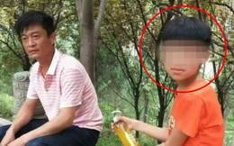 Nhận được tin nhắn nặc danh, ông bố quyết khai quật mộ con trai vừa qua đời và phẫn nộ khi biết nguyên nhân thật sự khiến đứa trẻ chết
