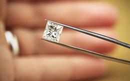 Cận cảnh sàn giao dịch kim cương lớn nhất thế giới ở Dubai