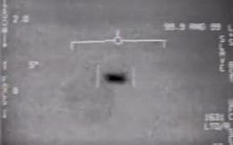 Phi công Mỹ kể lại khoảnh khắc nhìn thấy UFO trên bầu trời trong lúc huấn luyện
