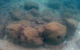 7.000 năm trước, người dân Israrel xây bức tường đá dài trăm mét để chặn nước biển dâng nhưng rồi cũng thất bại