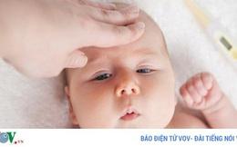 10 cách hạ sốt không dùng thuốc cho trẻ hiệu quả