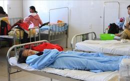 Hàng chục trẻ em nhập viện sau khi ăn quà từ thiện