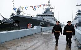 """Bộ Quốc phòng Nga tự tay """"bóp"""" các nhà sản xuất tàu tên lửa Karakurt Đề án 22800?"""