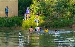 Nữ sinh lớp 10 đi ra cầu gần trường gieo mình xuống sông tự tử