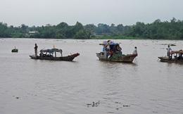 Tài công ngủ gật khiến sà lan đâm sập 5 ngôi nhà dọc sông Đồng Nai, 3 người bị thương