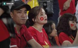 U23 Việt Nam bị loại, CĐV mắt ngấn lệ, buồn bã không muốn rời sân vì thất bại cay đắng