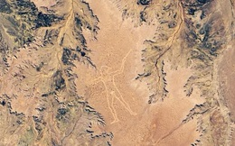 Hình vẽ thổ dân khổng lồ bí ẩn, có thể quan sát từ vũ trụ