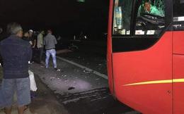 29 TẾT: Xe máy 'kẹp 3' tông vào ô tô, 3 thanh niên thiệt mạng