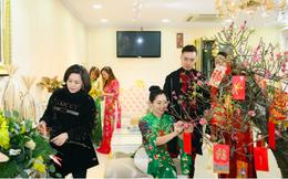 NTK Đỗ Trịnh Hoài Nam cùng học trò trang hoàng nhà cửa đón năm mới