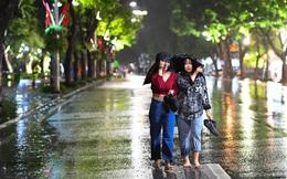 Trực tiếp đón giao thừa Tết Canh Tý 2020: Hà Nội khẳng định vẫn bắn pháo hoa bất chấp cơn mưa lớn, người Sài Gòn đeo khẩu trang chờ năm mới