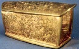 Truyền thuyết kỳ lạ chiếc quan tài vàng khai quật 10 năm nhưng chưa từng được mở ra