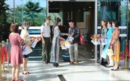Đà Nẵng đón chuyến bay đầu tiên đưa khách du lịch đến xông đất