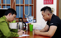 Công an mật phục bắt giữ hơn 20 người đốt pháo đêm Giao thừa tại Ninh Bình