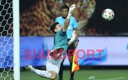 2 lần cản phá penalty, Đặng Văn Lâm lại khiến người Thái phải trầm trồ