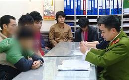 Công an tạm giữ hình sự hai đối tượng trả lương công nhân bằng ma túy ở Hà Nội