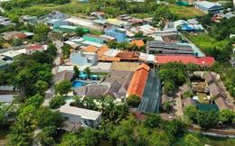 [Ảnh] Hàng trăm người cưỡng chế, tháo dỡ 2.000m2 công trình sai phạm tại Gia Trang quán – Tràm Chim Resort ở Sài Gòn