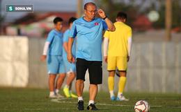 """U23 Việt Nam nhận tin xấu, nhiều khả năng vắng """"người khổng lồ"""" ở hàng thủ khi gặp UAE"""