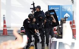 24h qua ảnh: Đặc nhiệm Thái Lan giải cứu con tin trong vụ xả súng