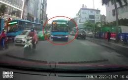 Đình chỉ tài xế xe buýt chạy lấn làn còn chửi bới, đòi được ưu tiên ở Hà Nội